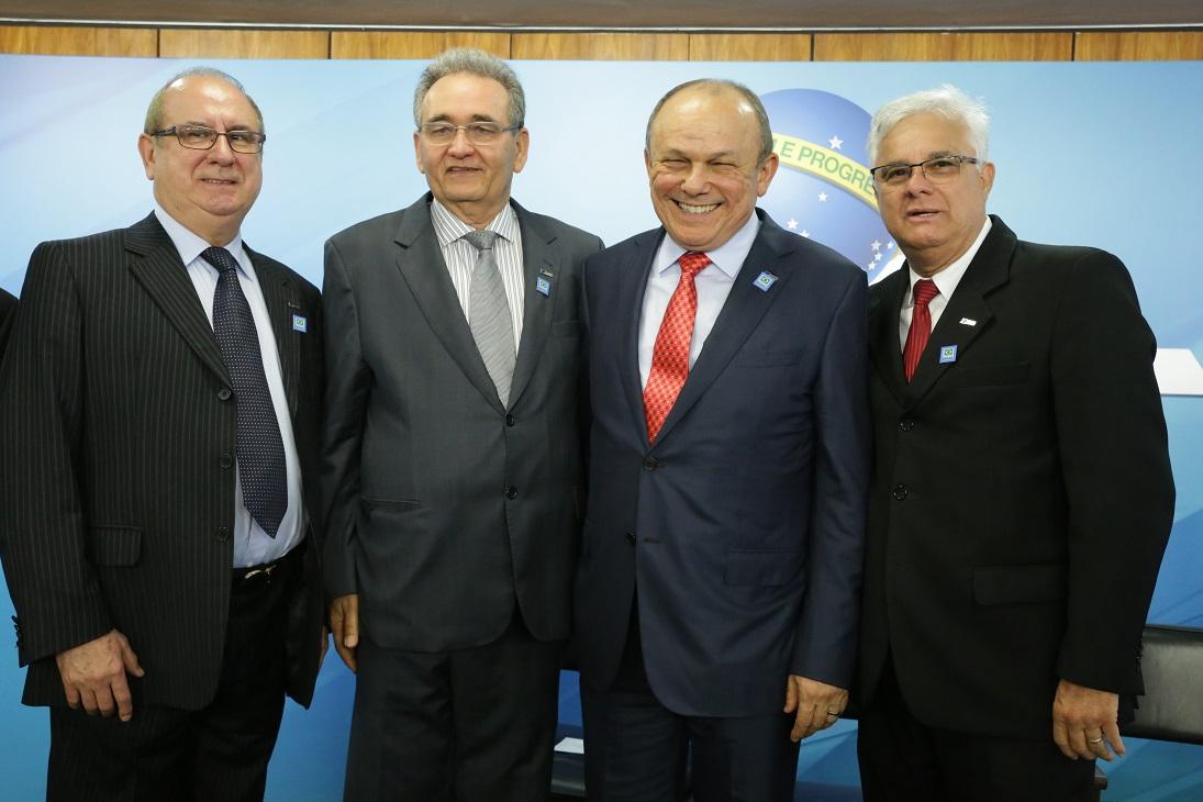 COMÉRCIO PODE COBRAR PREÇOS DIFERENTES DE ACORDO COM MEIO DE PAGAMENTO